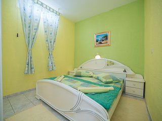 TH02804 Apartments Gordana / One bedroom A1 GREEN - Supetarska Draga vacation rentals