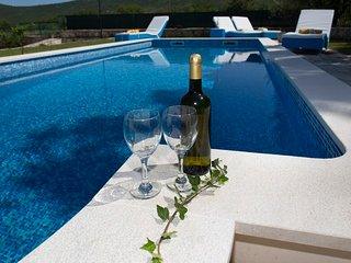 TH01941 Villa Dalmatica Moderna - Prapatnica vacation rentals