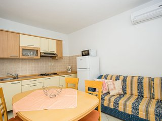 TH02825 Apartments Raffaello / One bedroom A10 - Rab vacation rentals