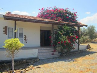 Comfortable 3 bedroom Famagusta Bungalow with A/C - Famagusta vacation rentals