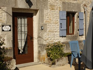 L'Etable (18th Century converted former Stables) - Saint Denis du Pin vacation rentals