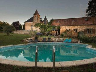 Chateau des Etoiles - Daisy Gite - Gourdon vacation rentals