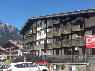 Buffaure 50 mt. impianto Buffaure 3 camere - Pozza di Fassa vacation rentals