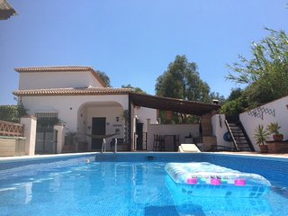 Vinuela peaceful holiday in beautiful surroundings - Los Romanes vacation rentals