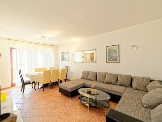 TH00253 Apartments Rudan / Four bedroom A1 - Pula vacation rentals