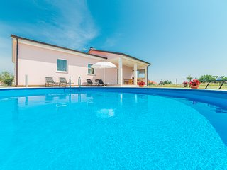 Beautiful 3 bedroom House in Marcana with Internet Access - Marcana vacation rentals