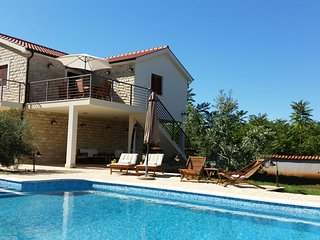 TH03542 Villa Piscina / Three Bedrooms - Gornje Selo vacation rentals