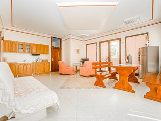 TH00039 Villa Rose / Two Bedroom terrace Apartment A2 - Rovinj vacation rentals