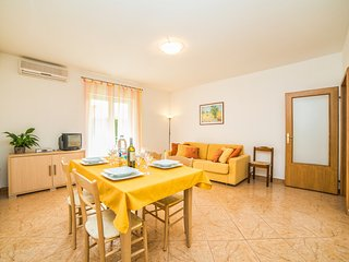 TH00027 Apartments Bella / Two Bedroom A2 - Rovinj vacation rentals