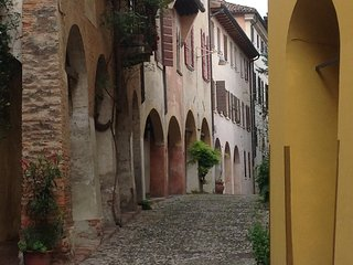2 bedroom penthouse apartment, Right by town walls - Treviso vacation rentals