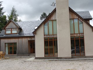 Fantastic Luxury Highland Home - Dalwhinnie vacation rentals