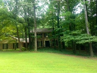 Stn Mtn 5-Star Garden Apt w/Pool Perfect Location - Stone Mountain vacation rentals