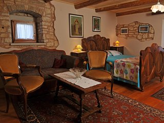 TH00436 House Peresiji / Two bedrooms A4a - Svetvincenat vacation rentals