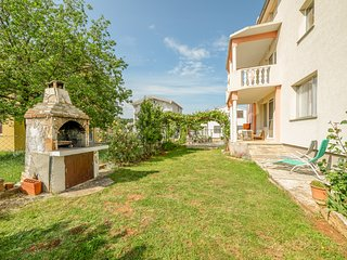 TH02107 Apartment Basic / Three bedrooms A1 - Pula vacation rentals
