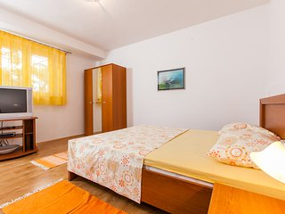 TH03406 Apartments Klarić / One bedroom A1 - Krilo Jesenice vacation rentals