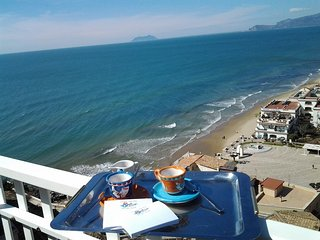 Lovely 2 bedroom Apartment in Sperlonga with Television - Sperlonga vacation rentals