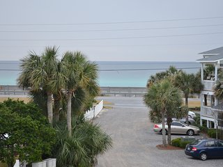 Nice 3 bedroom Destin Condo with Elevator Access - Destin vacation rentals