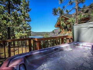 LAKEFRONT   PRIVATE HOT TUB   BOAT DOCK     ROMANTIC  VIEWS! - Big Bear Lake vacation rentals