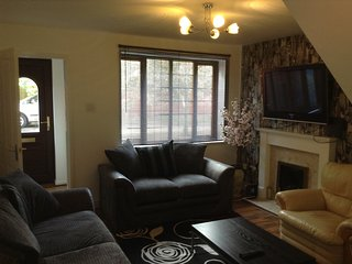 Wolverhampton Serviced Apartments - Burncross House - 2 Bedroom 5 single beds - Essington vacation rentals