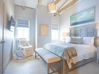 Beautifully restored loft on Drayton Street - Savannah vacation rentals