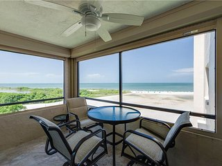 Sandarac A709, 2 Bedrooms, Gulf Front, Elevator, Heated Pool, Sleeps 5 - Fort Myers Beach vacation rentals
