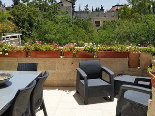 Luxury, Space & Light in Jerusalem's German Colony - Jerusalem vacation rentals