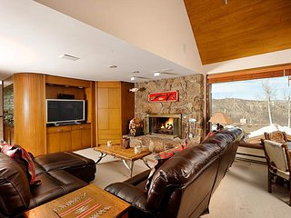 4 bedroom House with Hot Tub in Snowmass Village - Snowmass Village vacation rentals