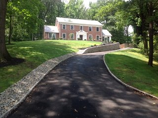 4200 sq/f Home under 30 miniutes from NY City - South Orange vacation rentals