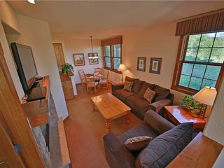 Perfect Condo with Internet Access and Hot Tub - Granby vacation rentals