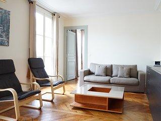 rue de Ponthieu 75008 PARIS - 308018 - Paris vacation rentals