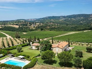 Lovely 8 bedroom Magliano in Toscana Villa with Internet Access - Magliano in Toscana vacation rentals
