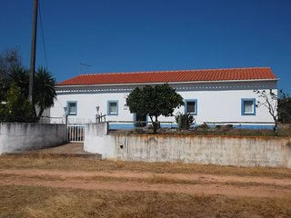 Bright 5 bedroom Montemor-o-Novo House with Microwave - Montemor-o-Novo vacation rentals