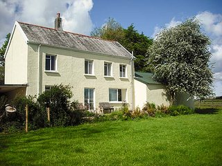 MARSH COTTAGE, rural detached cottage, enclosed garden, dog-friendly, in North Molton, Ref 925657 - North Molton vacation rentals
