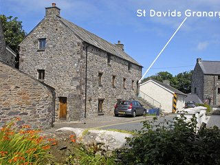 Cozy 3 bedroom Cottage in Saint Davids - Saint Davids vacation rentals