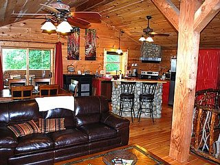 3 bedroom House with Hot Tub in Crumpler - Crumpler vacation rentals