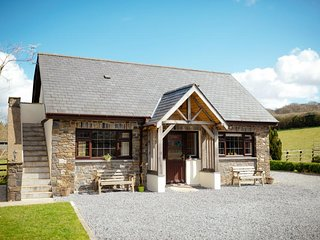 2 bedroom Cottage with Internet Access in Derwydd - Derwydd vacation rentals