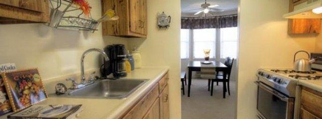 Furnished 2-Bedroom Apartment at Somerset Pkwy & Kessler Farm Dr Nashua - Nashua vacation rentals