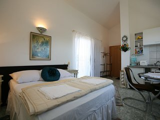 TH01042 Apartments Villa Meri / Studio A4 - Liznjan vacation rentals