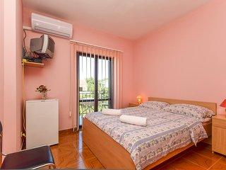 TH01282 Apartments Vukić / Double Room S3 - Vrsi vacation rentals