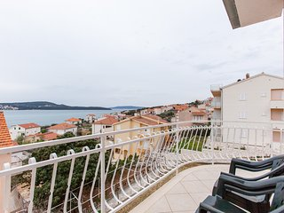 TH01925 Apartments M&I / Two bedrooms A1 - Seget Donji vacation rentals
