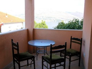 TH01704 Apartments Dragica / Studio S2 - Okrug Donji vacation rentals