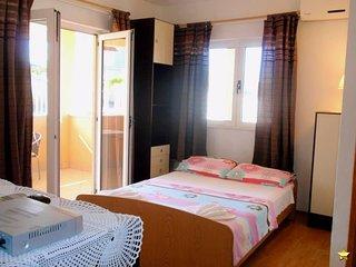 TH01704 Apartments Dragica / Studio S1 - Okrug Donji vacation rentals