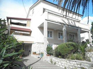 TH02845 Aparment Pende / Four bedrooms BANJOL - Banjol vacation rentals