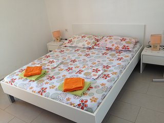 TH01434 Apartments Mira / Two bedroom A2 - Lun vacation rentals