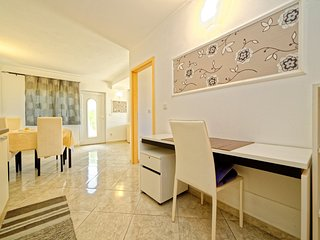 TH03115 Apartments Anica / One Bedroom A8 - Kampor vacation rentals