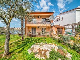 TH01063 Apartments Dragutin / Three Bedrooms A1 - Valbandon vacation rentals