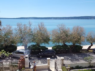 TH01715 Apartments Mateljan / A1 ANA One bedroom - Kastel Luksic vacation rentals