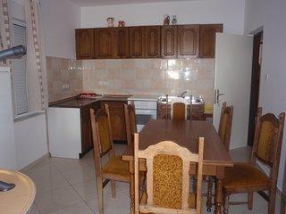 TH03119 Apartments Lučica / Five Bedrooms Gore Kuća - Banjol vacation rentals