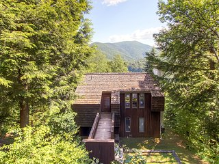 Cedar Rock Chalet ~ RA80768 - Stockbridge vacation rentals