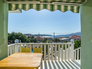 TH01812 Apartments Šanto / Two bedroom A2 GREEN - Okrug Gornji vacation rentals